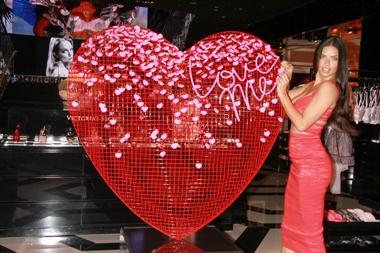 adriana lima saint valentin
