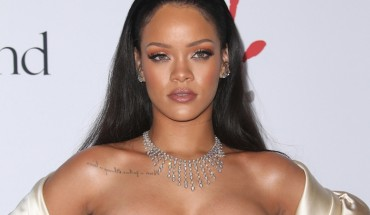 12/10/2015 - Rihanna - 2nd Annual Diamond Ball Hosted by Rihanna and the Clara Lionel Foundation - Arrivals - The Barker Hanger - Santa Monica, CA, USA - Keywords: Vertical, Portrait, Photography, Red Carpet Event, Arts Culture and Entertainment, Attending, Celebrities, Celebrity, Person, People, Topix, Bestof, California Orientation: Portrait Face Count: 1 - False - Photo Credit: PRPhotos.com - Contact (1-866-551-7827) - Portrait Face Count: 1