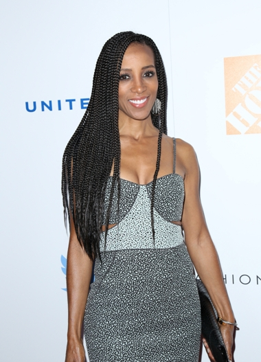 12/02/2015 - Shaun Robinson - 2015 Ebony Magazine's Power 100 Gala - Arrivals - Beverly Hilton Hotel - Beverly Hills, CA, USA - Keywords: Vertical, Red Carpet Event, Portrait, Photography, Arts Culture and Entertainment, Attending, Celebrities, Celebrity, Person, People, Los Angeles, California Orientation: Portrait Face Count: 1 - False - Photo Credit: Guillermo Proano / PR Photos - Contact (1-866-551-7827) - Portrait Face Count: 1