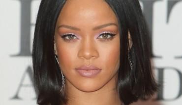 02/24/2016 - Rihanna - BRIT Awards 2016 - Arrivals - O2 Arena - London, UK - Keywords: Vertical, Red Carpet Arrival, Attending, Topics, Music, Award, England, United Kingdom, Britain, British, Red Carpet Event, Arts Culture and Entertainment, Topix, Bestof, Celebrity, Celebrities, Person, People, Ref: LMK73-60035-250216 Orientation: Portrait Face Count: 1 - False - Photo Credit: Landmark / PR Photos - Contact (1-866-551-7827) - Portrait Face Count: 1